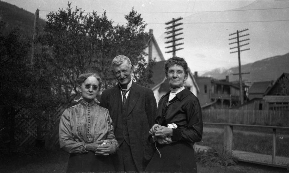 Mr. & Mrs. WJ Dickey, c. 1920 [DN-989]