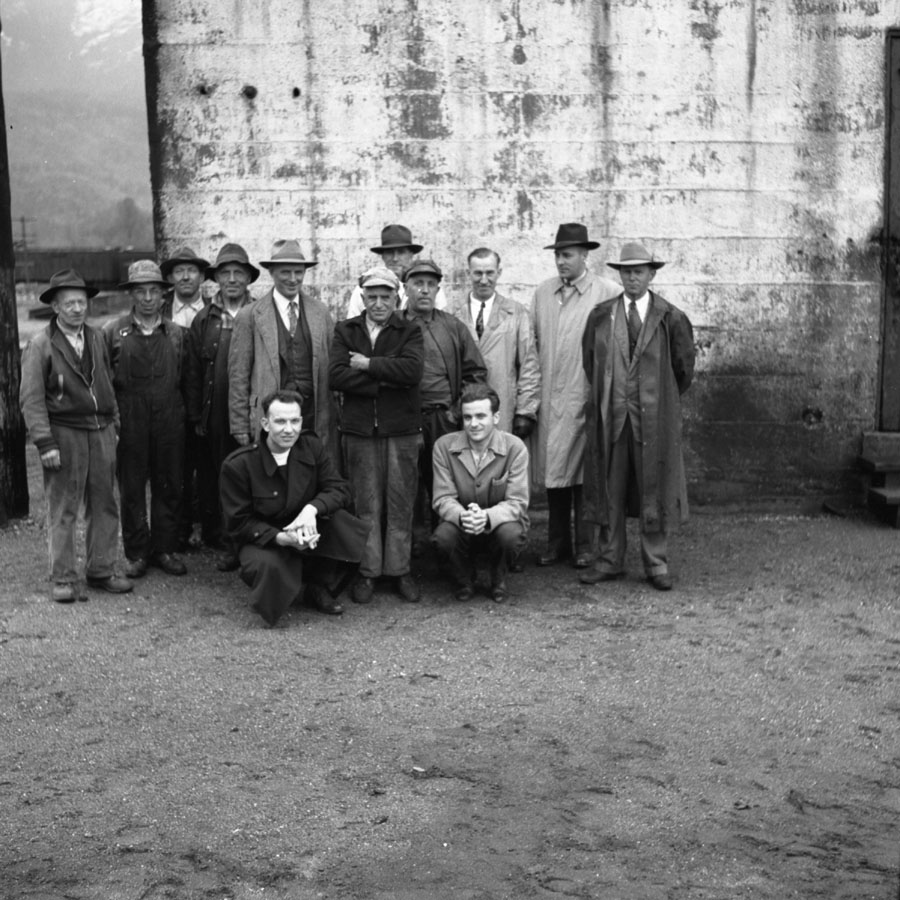 Illecillewaet Dam, Group of Men, 1953 [DN-791]