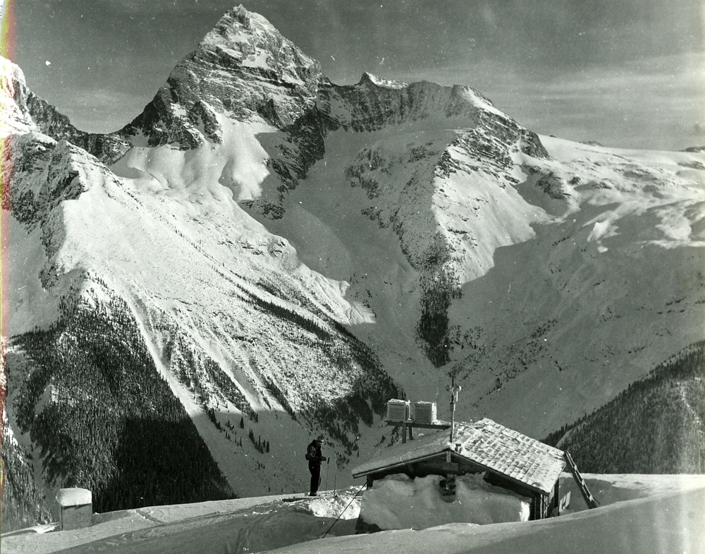 PSA.16 Weather observatory at Mt. Abbott. Mt. Sir Donald behind. Dec. 1956.jpg