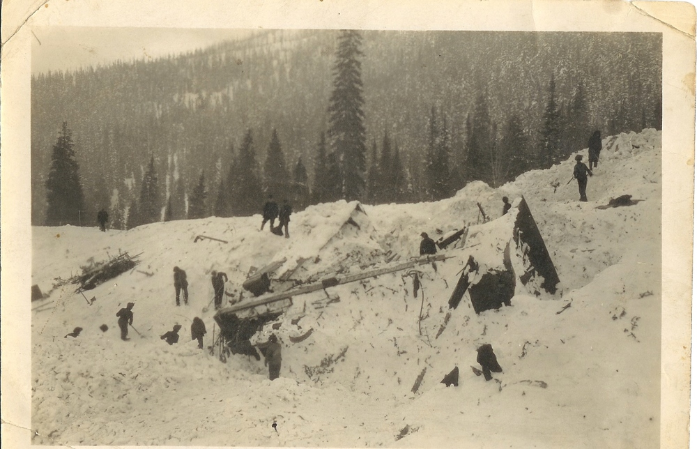 Clearing out after the March 4, 1910 Avalanche