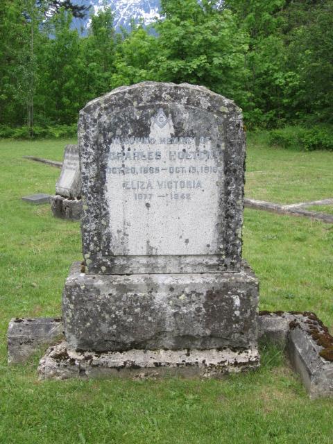 Holten, Charles & Eliza_1.JPG
