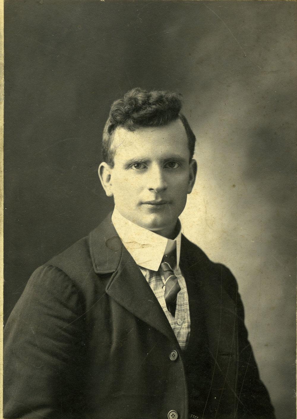 Hector McKinnon