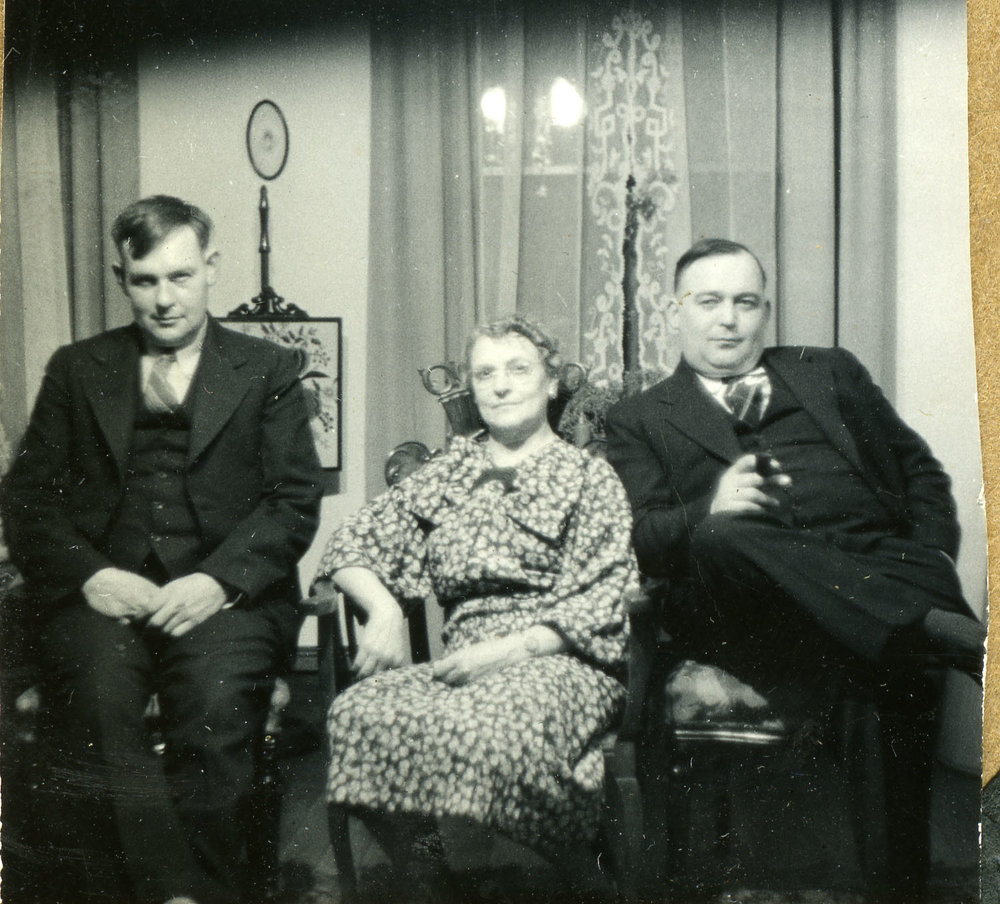 Charlie, Lyda and Drennan Holten, date unknown.
