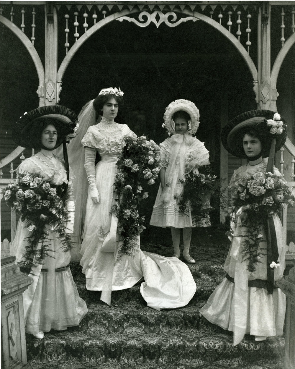 Mary Hamilton and bridal party, Holten House, Revelstoke, 1910.