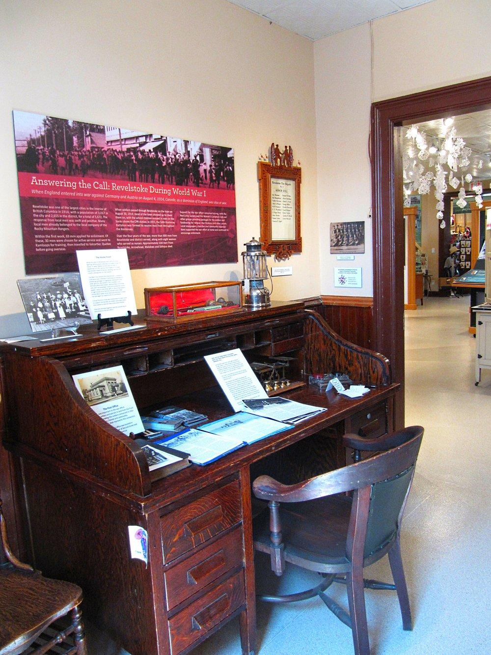 WW1 desk.jpg