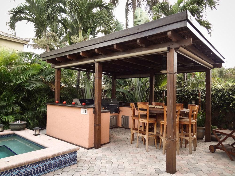 Pergolas flora tropica - Pergola with roof ...
