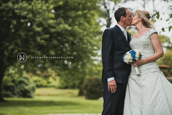 BEST-WEDDING-PHOTOGRAPHER-CORNWALL-2015-215.jpg