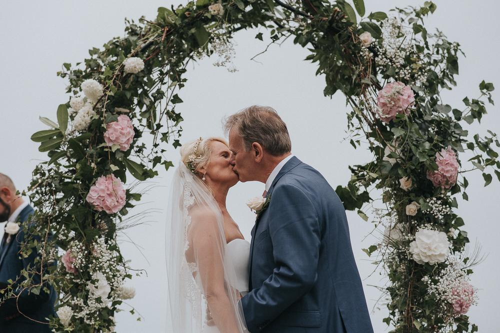 wedding-photographer-cornwall-370.jpg
