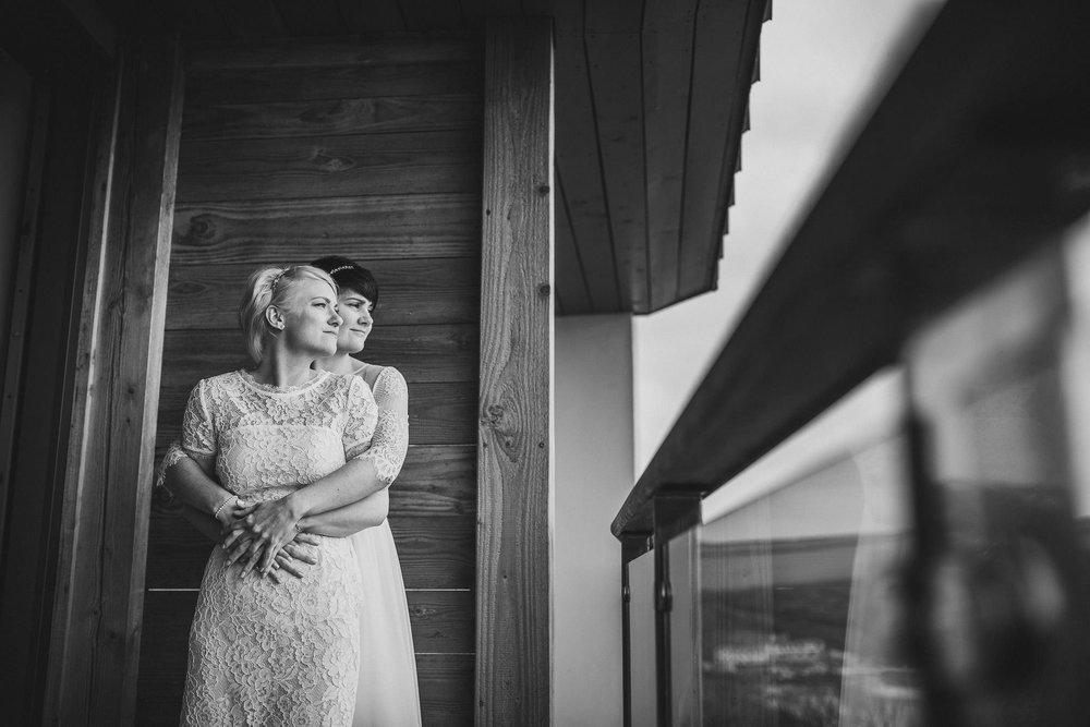 SCARLET-HOTEL-WEDDING-PHOTOGRAPHY-NEWQUAY-36.jpg