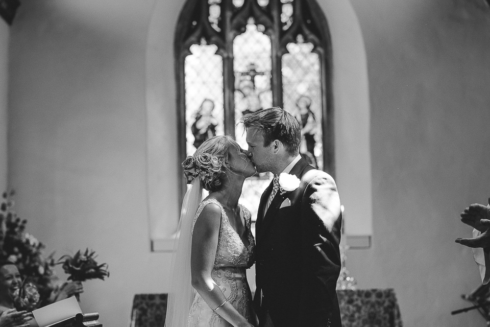 best-wedding-photographer-cornwall-2017-48.jpg