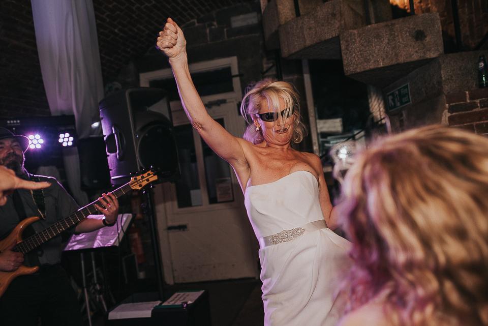 best-wedding-photographer-cornwall-2017-335.jpg