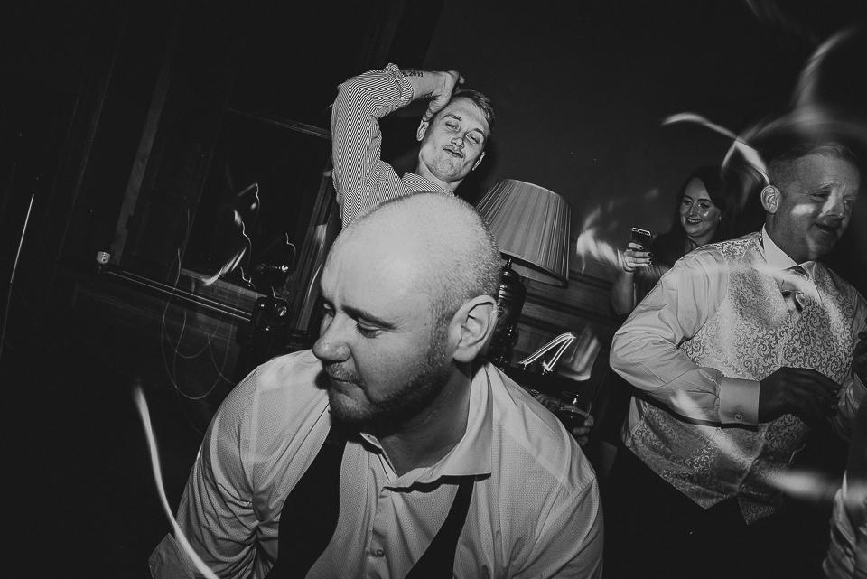 best-wedding-photographer-cornwall-2017-339.jpg