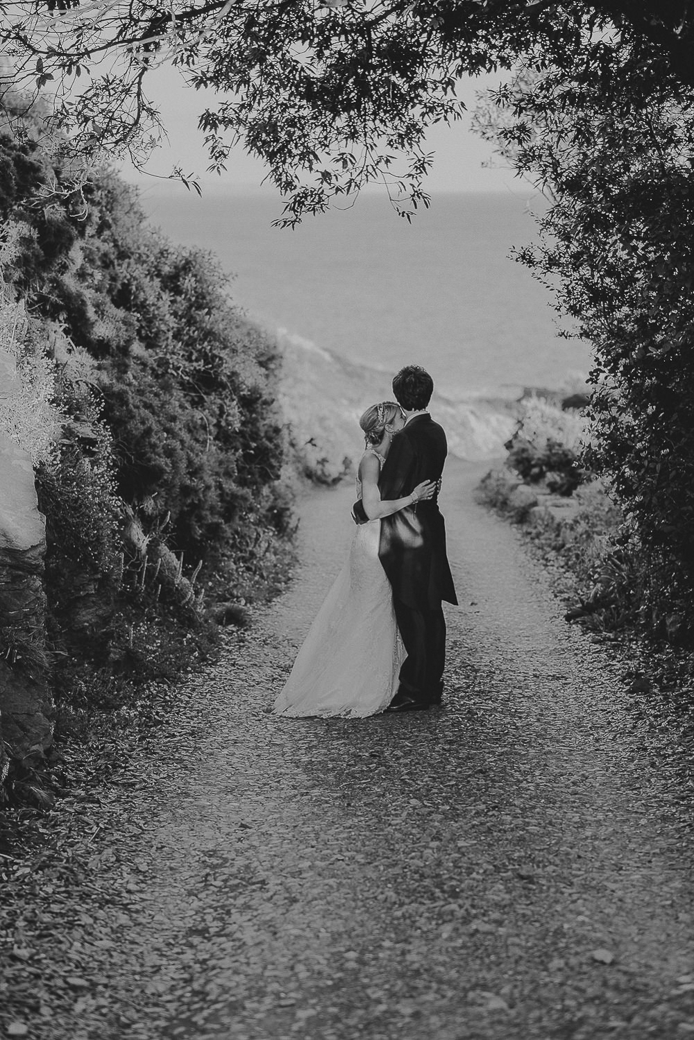 PRUSSIA-COVE-PORTH-EN-ALLS-WEDDING-PHOTOGRAPHER-101.jpg