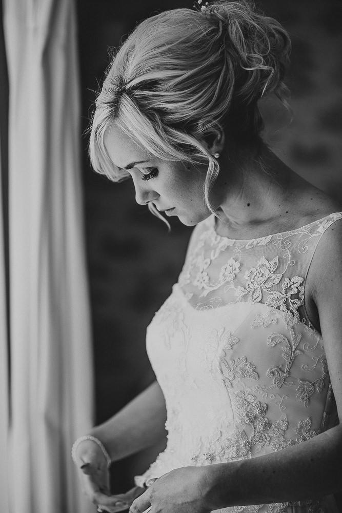 BEST-WEDDING-PHOTOGRAPHER-CORNWALL-30.jpg