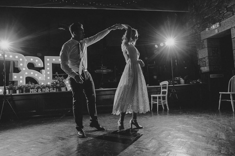 BEST-WEDDING-PHOTOGRAPHER-CORNWALL-68.jpg