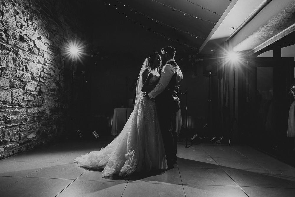 BEST-WEDDING-PHOTOGRAPHER-CORNWALL-106.jpg