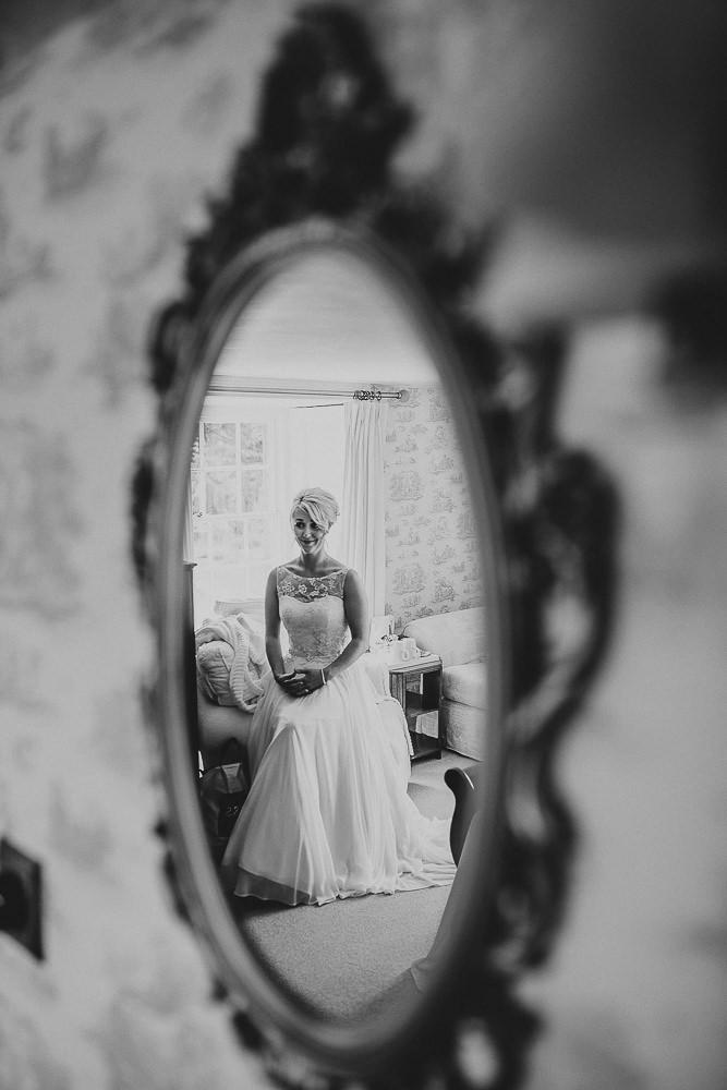 BEST-WEDDING-PHOTOGRAPHER-CORNWALL-107.jpg