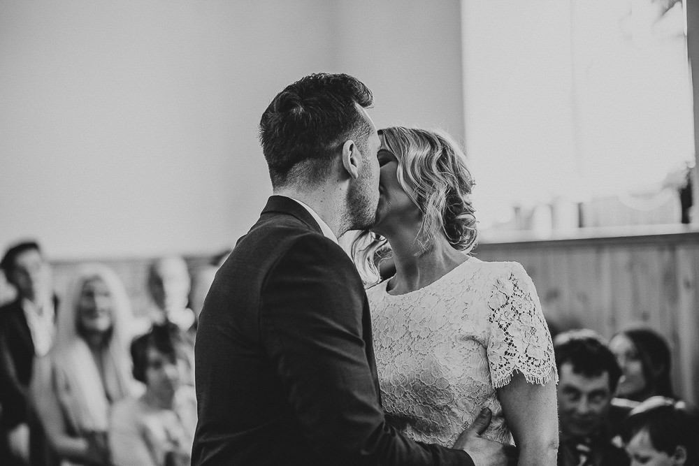 BEST-WEDDING-PHOTOGRAPHER-CORNWALL-156.jpg