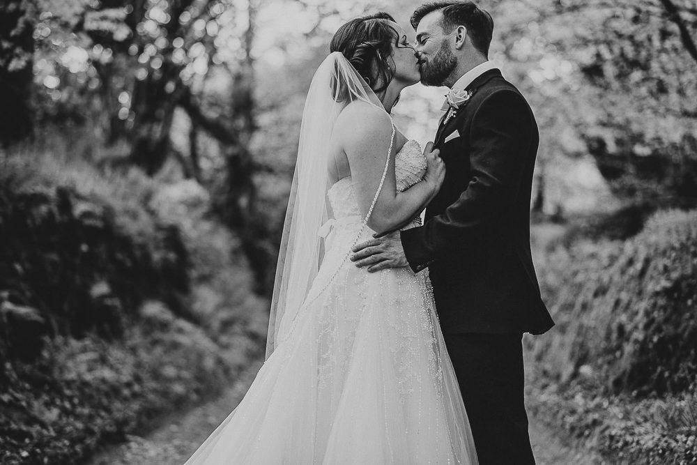 BEST-WEDDING-PHOTOGRAPHER-CORNWALL-168.jpg