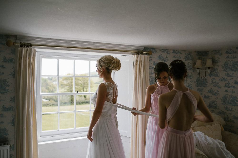 BEST-WEDDING-PHOTOGRAPHER-CORNWALL-207.jpg