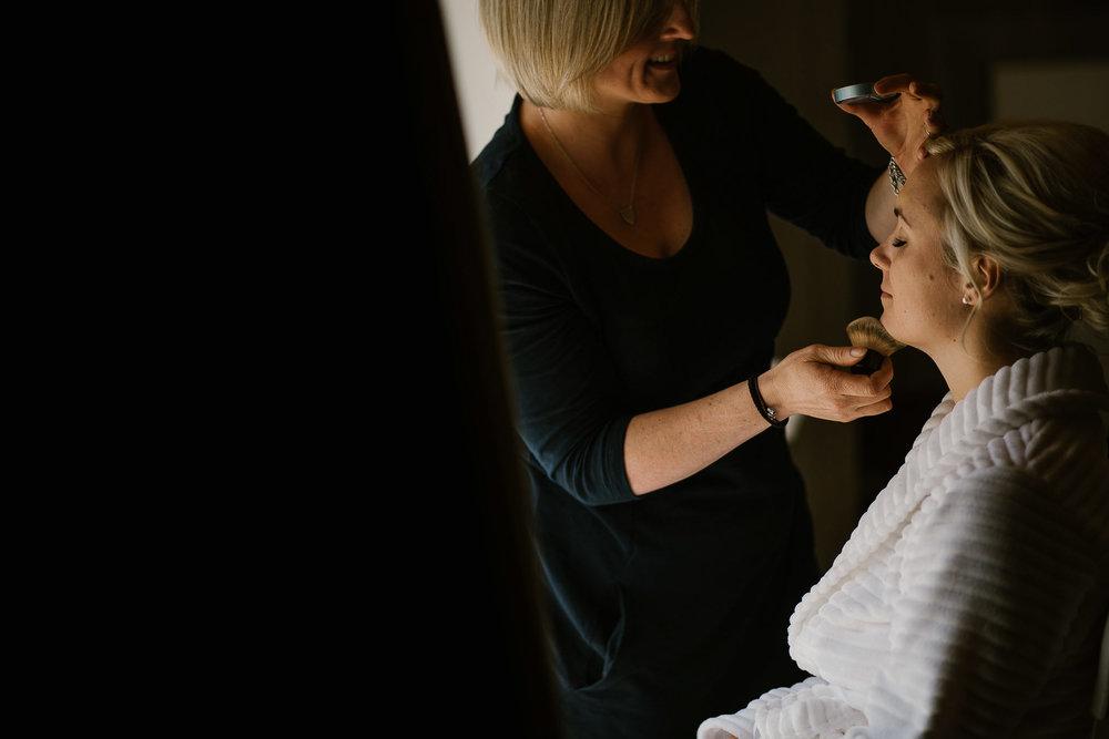 TREDUDWELL-MANOR-WEDDING-PHOTOGRAPHER-20.jpg