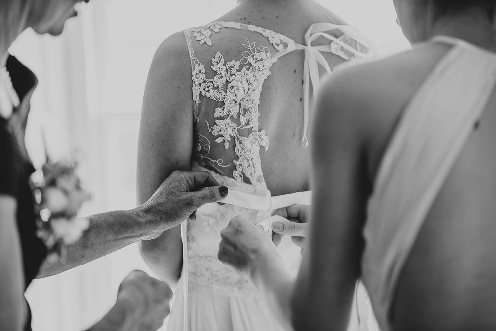 TREDUDWELL-MANOR-WEDDING-PHOTOGRAPHER-43.jpg