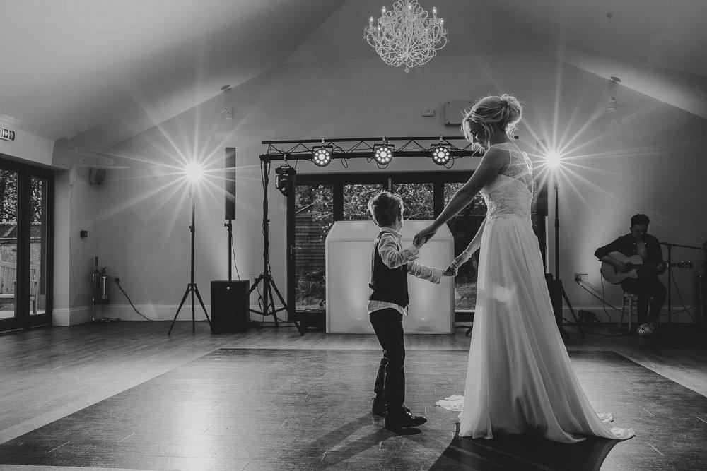 TREDUDWELL-MANOR-WEDDING-PHOTOGRAPHER-141.jpg