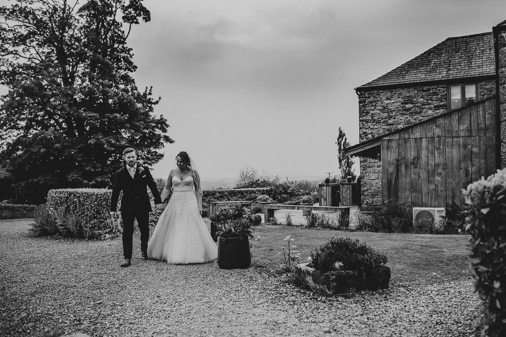 TREVENNA-BARNS-WEDDING-PHOTOGRAPHER-102.jpg