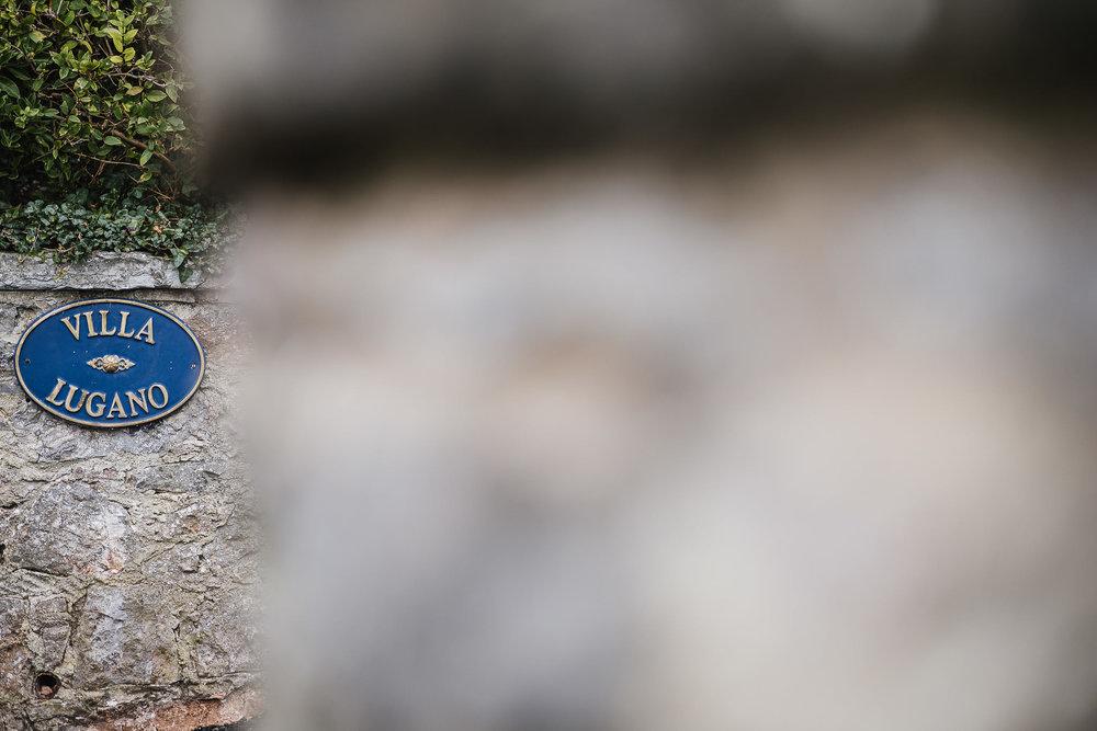 POWDERHAM-CASTLE-WEDDING-PHOTOGRAPHER-2.jpg