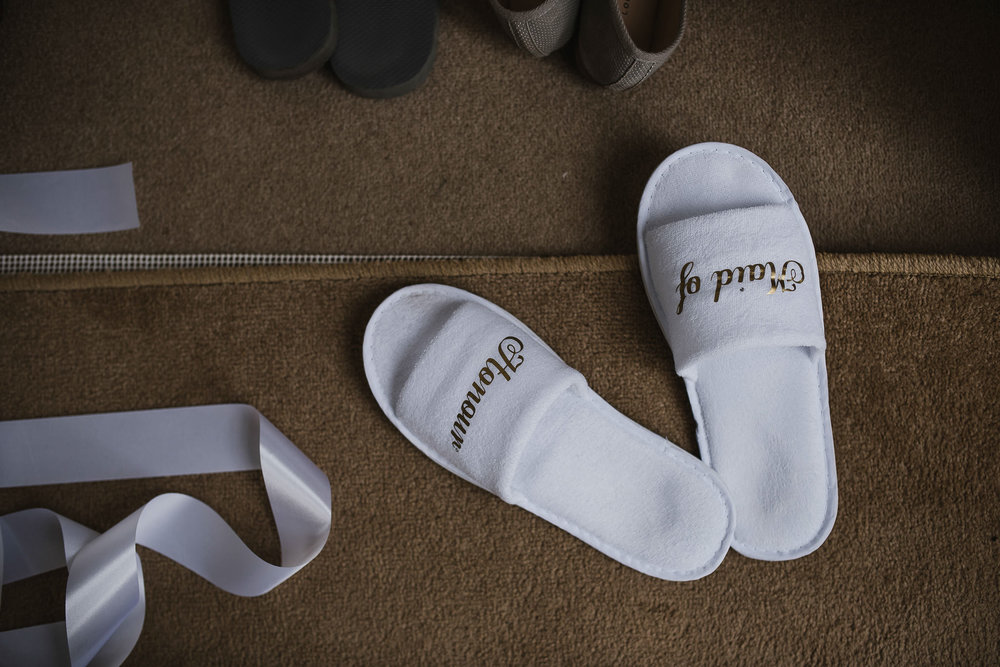 POWDERHAM-CASTLE-WEDDING-PHOTOGRAPHER-4.jpg