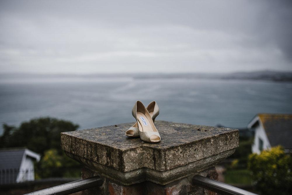 POWDERHAM-CASTLE-WEDDING-PHOTOGRAPHER-22.jpg