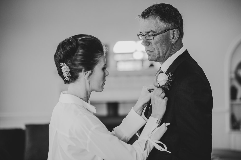 POWDERHAM-CASTLE-WEDDING-PHOTOGRAPHER-35.jpg