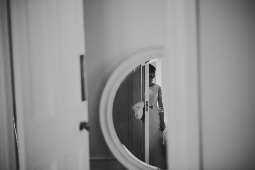 POWDERHAM-CASTLE-WEDDING-PHOTOGRAPHER-39.jpg