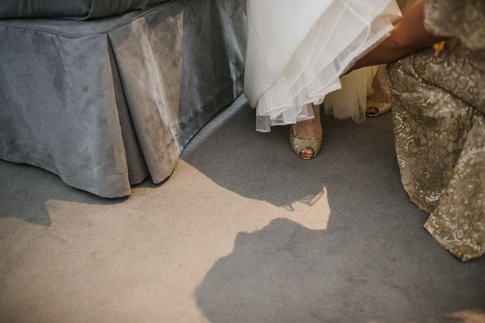 POWDERHAM-CASTLE-WEDDING-PHOTOGRAPHER-42.jpg