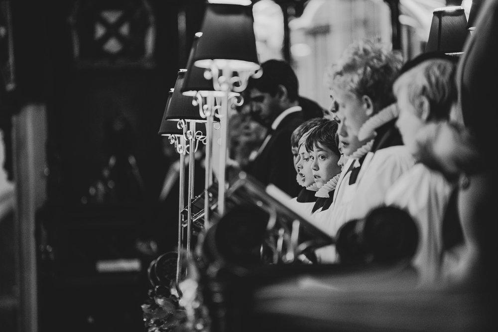 POWDERHAM-CASTLE-WEDDING-PHOTOGRAPHER-82.jpg