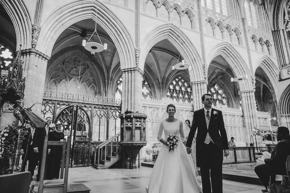 POWDERHAM-CASTLE-WEDDING-PHOTOGRAPHER-91.jpg