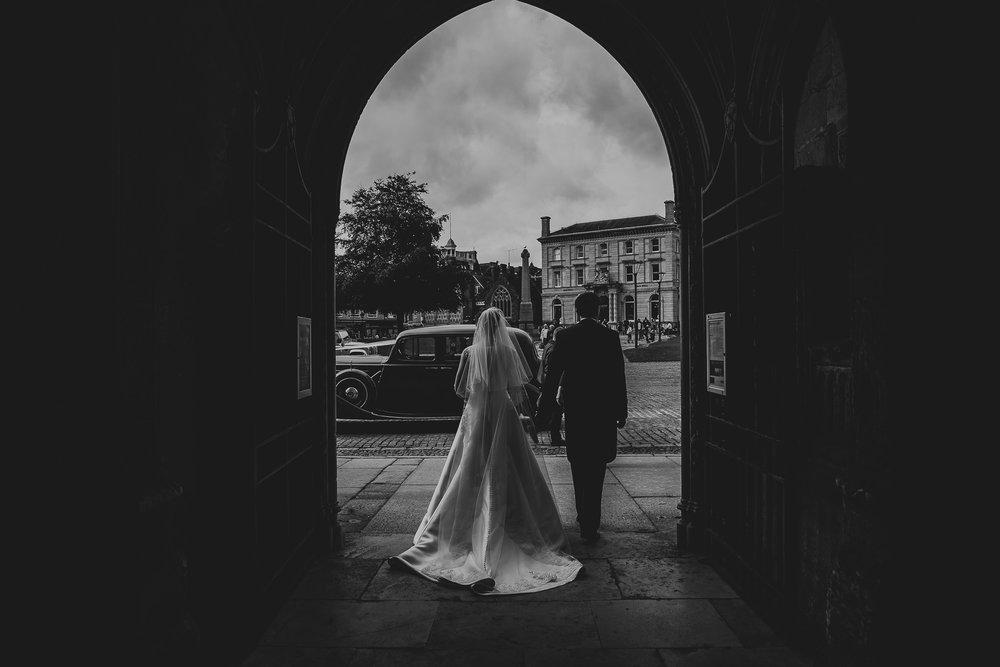 POWDERHAM-CASTLE-WEDDING-PHOTOGRAPHER-94.jpg