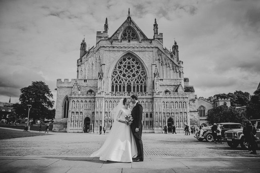 POWDERHAM-CASTLE-WEDDING-PHOTOGRAPHER-100.jpg