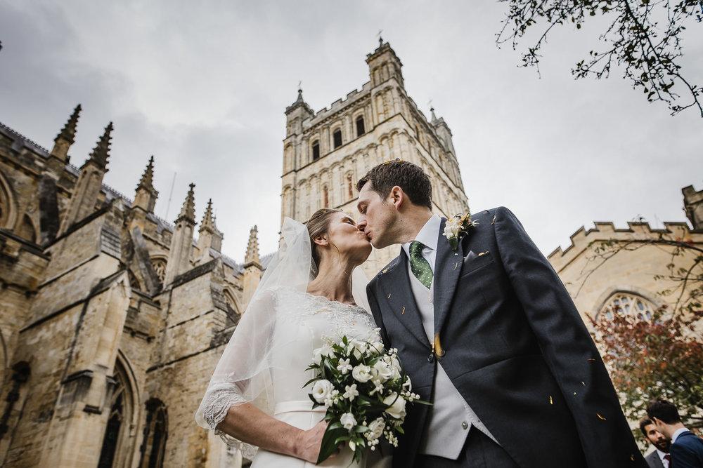 POWDERHAM-CASTLE-WEDDING-PHOTOGRAPHER-106.jpg