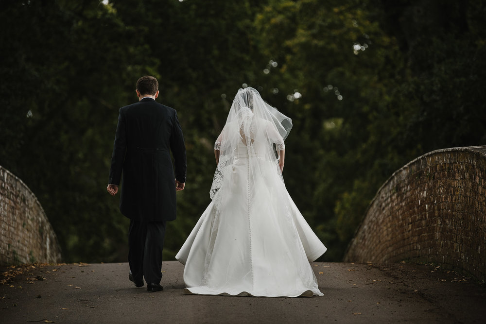 POWDERHAM-CASTLE-WEDDING-PHOTOGRAPHER-107.jpg