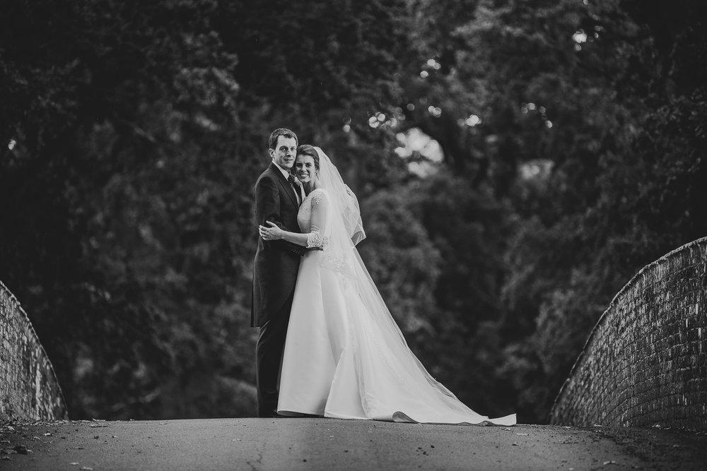 POWDERHAM-CASTLE-WEDDING-PHOTOGRAPHER-108.jpg
