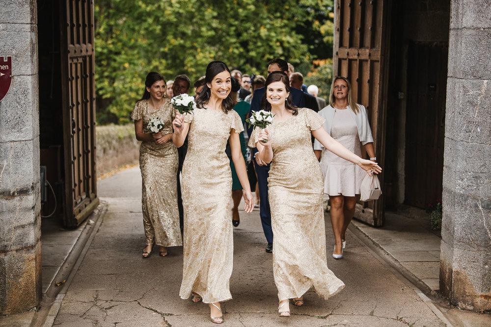 POWDERHAM-CASTLE-WEDDING-PHOTOGRAPHER-122.jpg