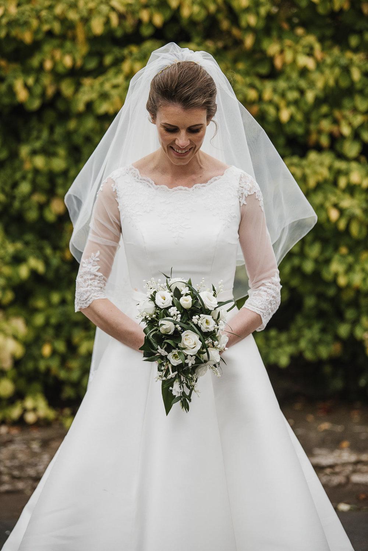 POWDERHAM-CASTLE-WEDDING-PHOTOGRAPHER-127.jpg