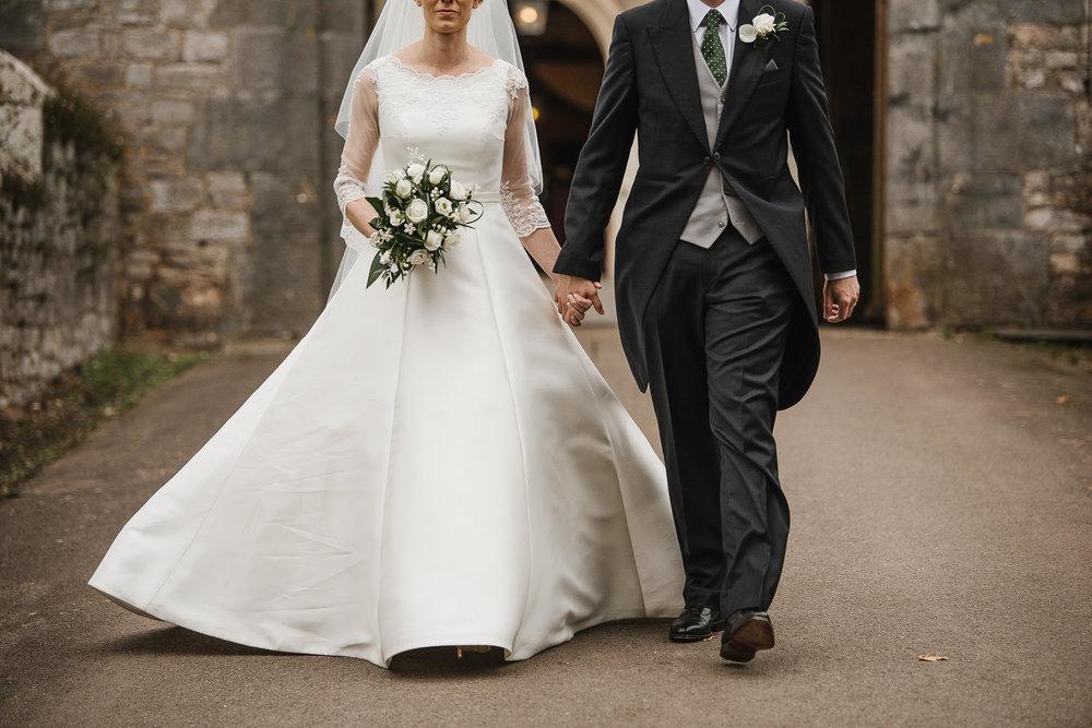 POWDERHAM-CASTLE-WEDDING-PHOTOGRAPHER-131.jpg