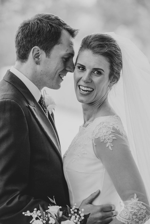 POWDERHAM-CASTLE-WEDDING-PHOTOGRAPHER-134.jpg