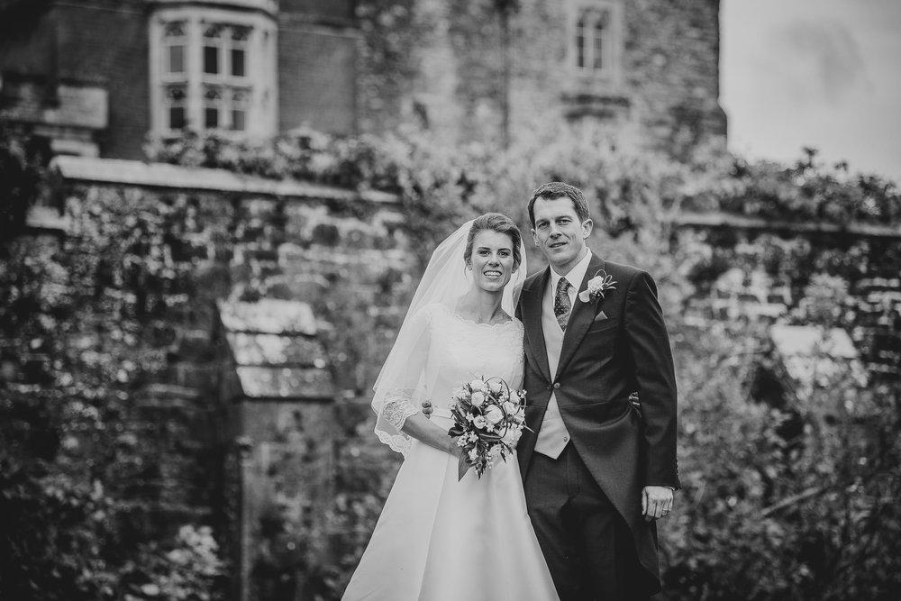 POWDERHAM-CASTLE-WEDDING-PHOTOGRAPHER-139.jpg