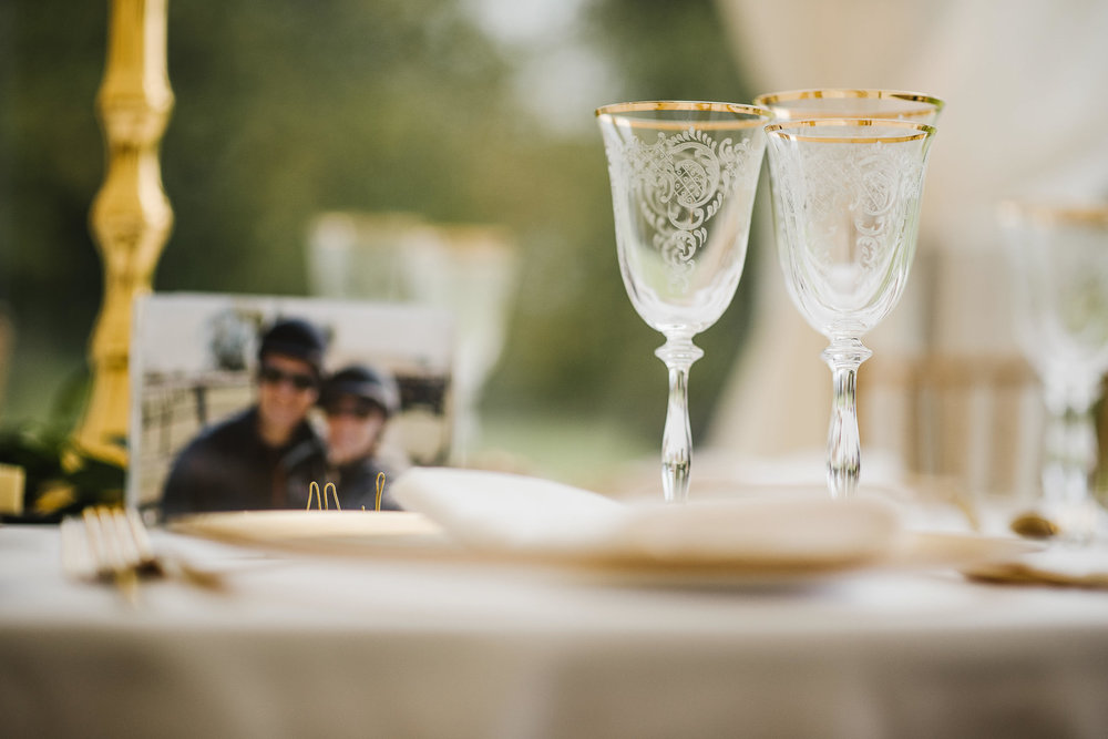POWDERHAM-CASTLE-WEDDING-PHOTOGRAPHER-159.jpg
