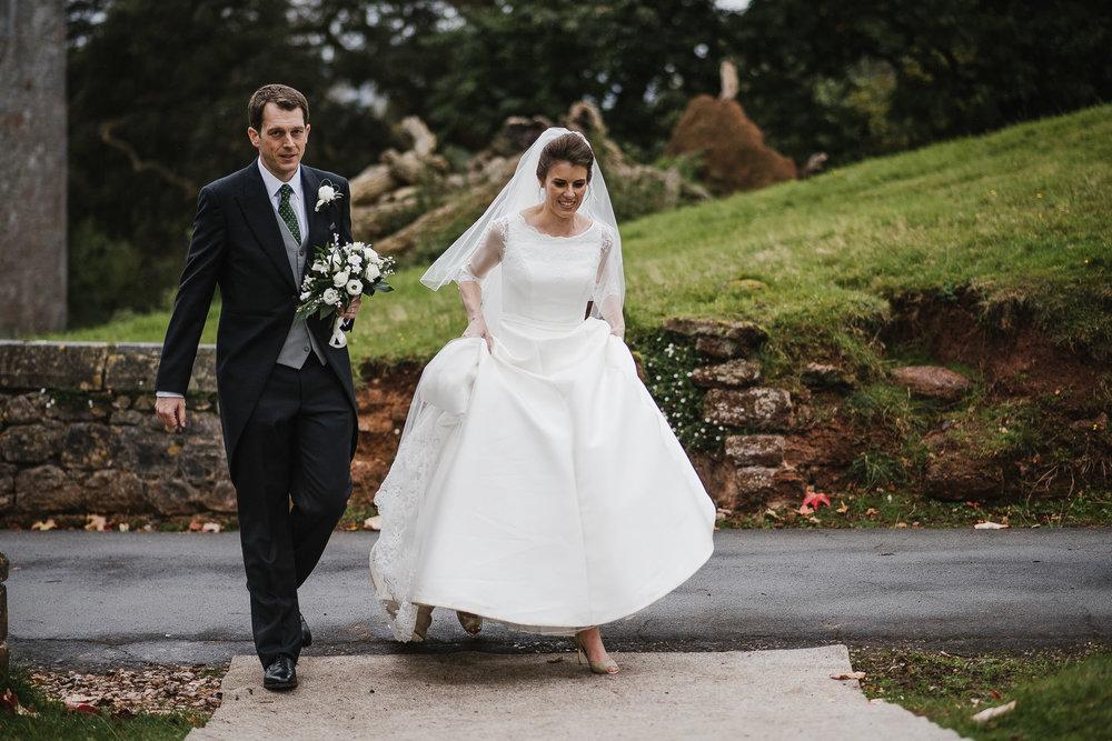 POWDERHAM-CASTLE-WEDDING-PHOTOGRAPHER-165.jpg