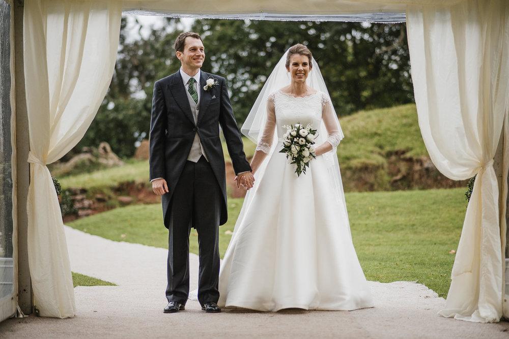 POWDERHAM-CASTLE-WEDDING-PHOTOGRAPHER-169.jpg
