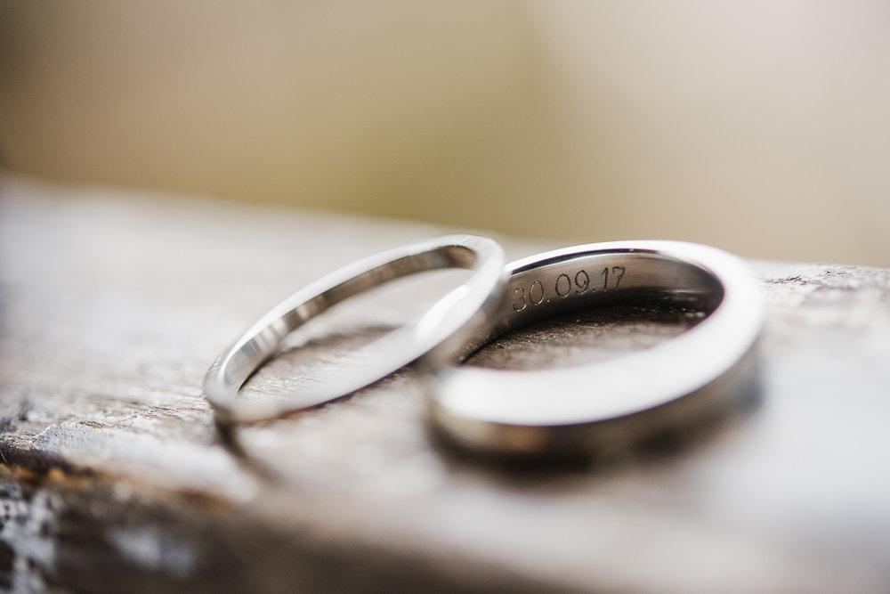 POWDERHAM-CASTLE-WEDDING-PHOTOGRAPHER-172.jpg